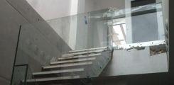 Barandilla de escalera en vivienda de lujo en Sevilla