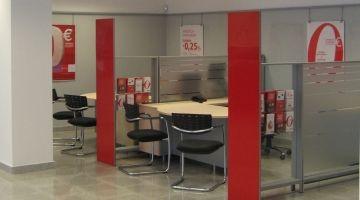 Instalaciones Comerciales de vidrio en Bancos | Cristalería Athair en Sevilla