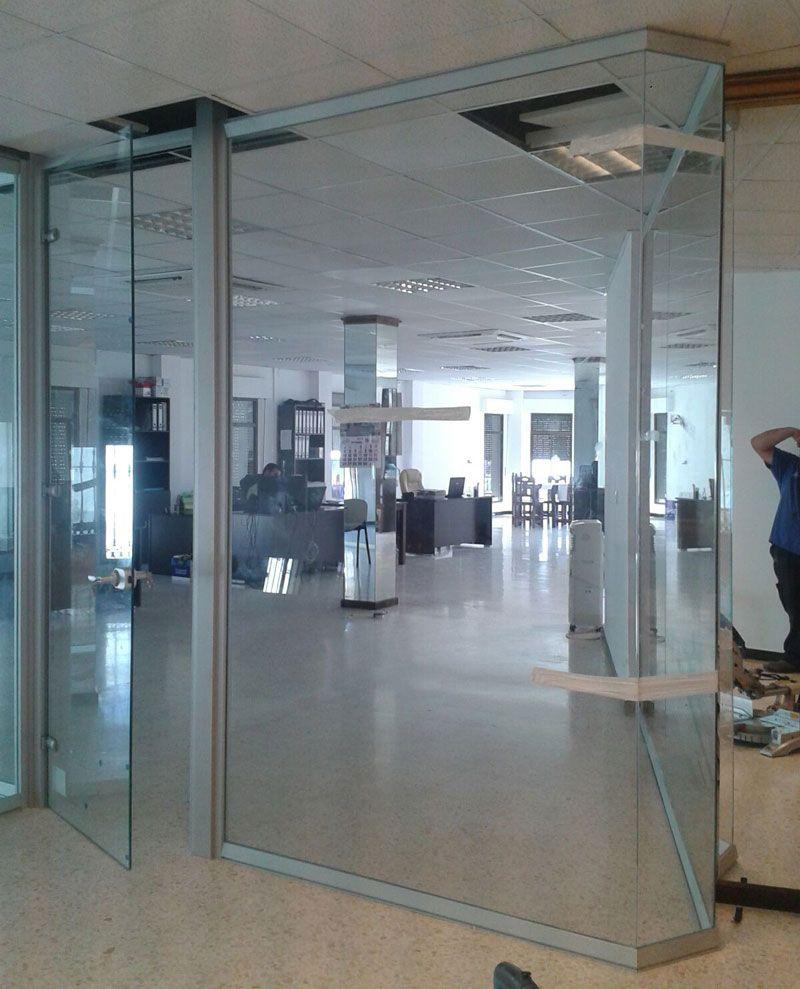 Mamparas de oficina de vidrio y cristal for Mamparas cristal oficina