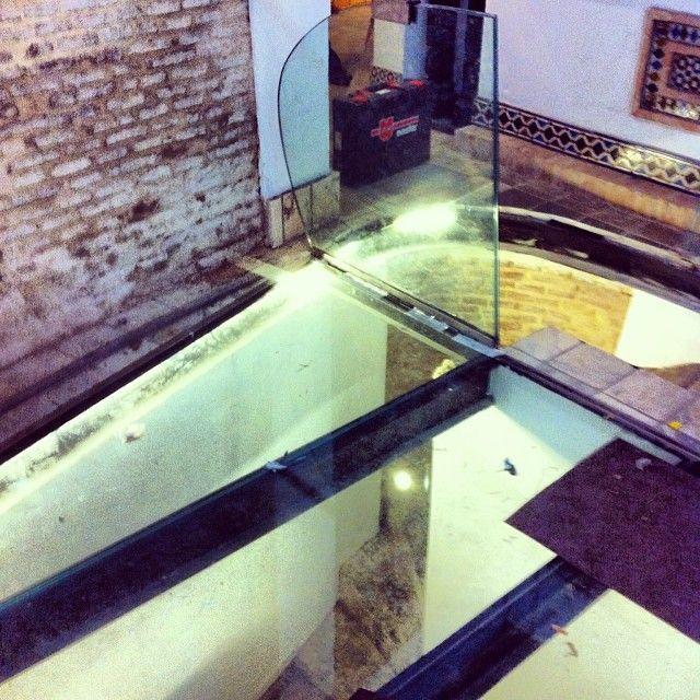 Suelos de cristal cool escalera y suelo de cristal with - Suelos de vidrio ...
